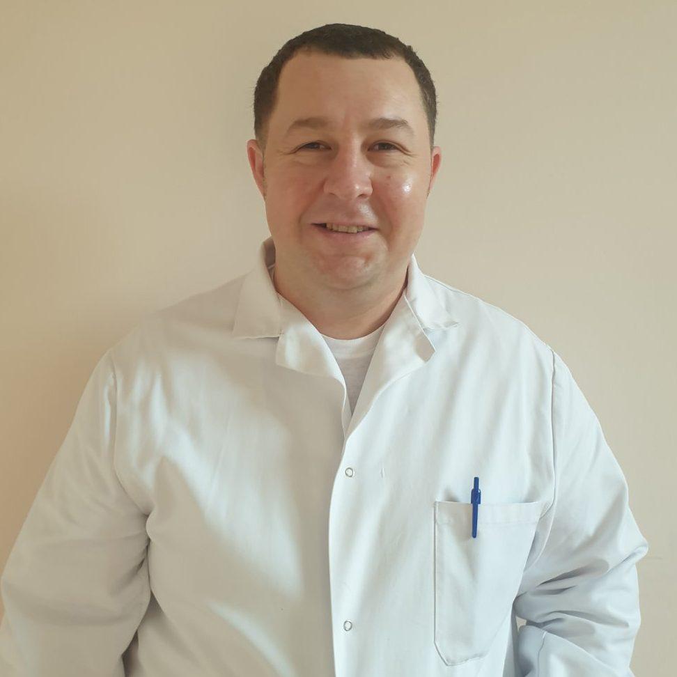 Belous Anatol, șef  secție, medic ortoped-traumatolog, grad superior.